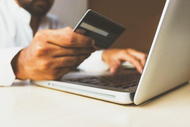 ¿Por qué es esencial recopilar las opiniones de los clientes después de la compra?